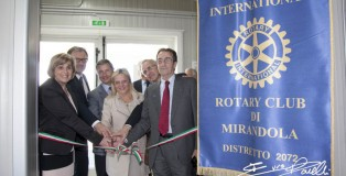 Luosi inaug donaz Rotary 130