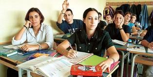 SCUOLA SUPERIORE ROSA LUXEMBURG, RAGAZZI, STUDENTI, CLASSE, AULA, LEZIONE