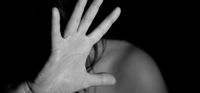 A MIRANDOLA SGUARDI CONTRO LA VIOLENZA SULLE DONNE