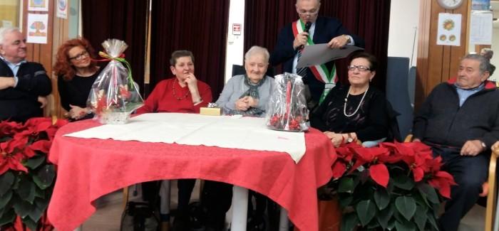 MIRANDOLA, FESTEGGIATO DALL'AMMINISTRAZIONE COMUNALE IL 100ESIMO COMPLEANNO DI NELLA BERNARDONI
