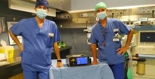 220_Schiavone e Sassi con il laser proctologico donato